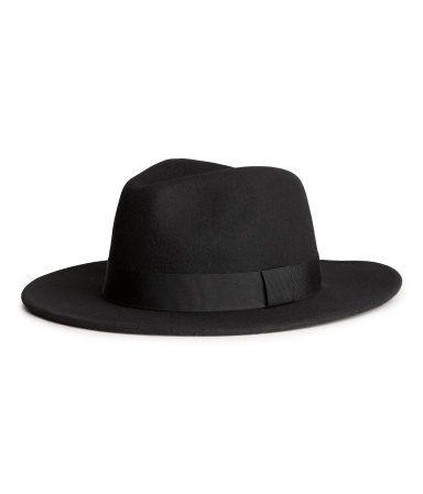 H   M black hat  b7c8feb5d05