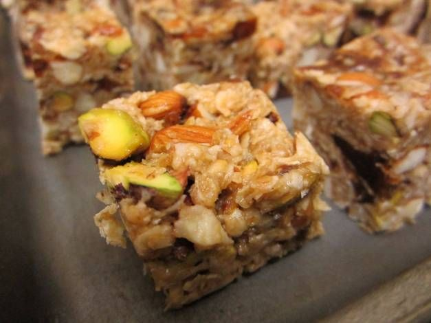 Healthy No-Bake Oatmeal, Dates And Assorted Nuts Energy Bars