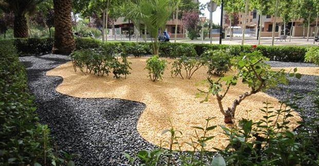 Xerojardineria el nuevo m todo para ahorrar agua en el - Gravas para jardin ...