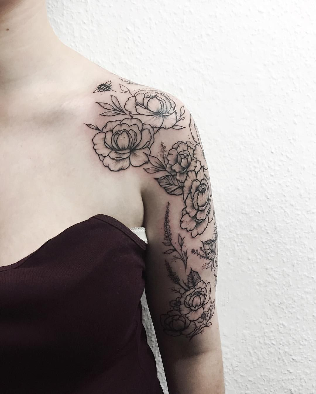 This Is The Kind Of Half Sleeve I Want Very Simple Maybe Dahlias Or Peonies Or Lil Sleeve Tattoos For Women Floral Tattoo Sleeve Half Sleeve Tattoos Drawings