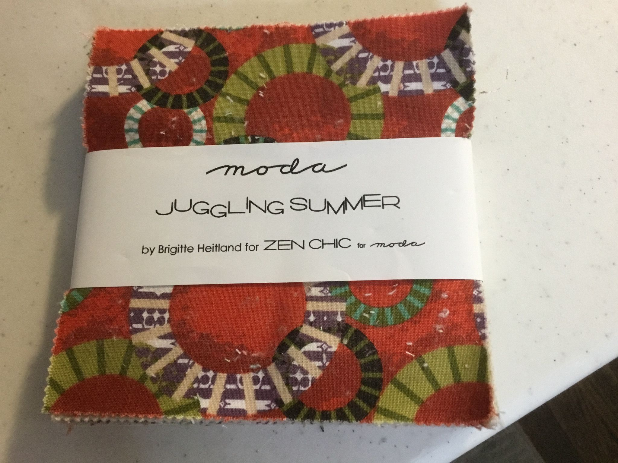 Juggling Summer - By Zen Chic - For Moda Charms