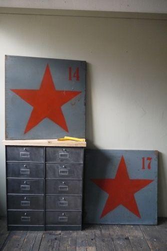 Grande plaque metal etoile rouge Metals, Star wars bedroom and