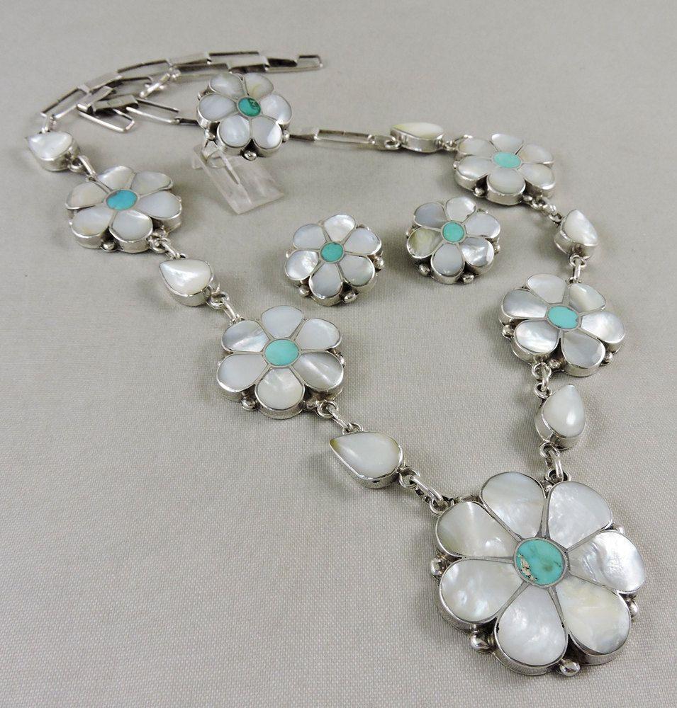 Zuni Inlay Flower Necklace Vintage Jewelry By Oldndnshop On Etsy Antique Jewelry Zuni Jewelry Jewelry