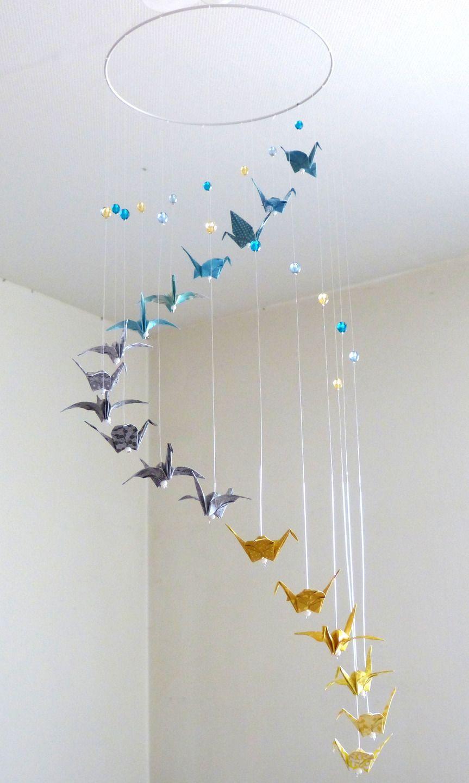 Mobile b b origami spirale bleu gris jaune grues et perles jeux peluches doudous par - Mobile bebe gris ...