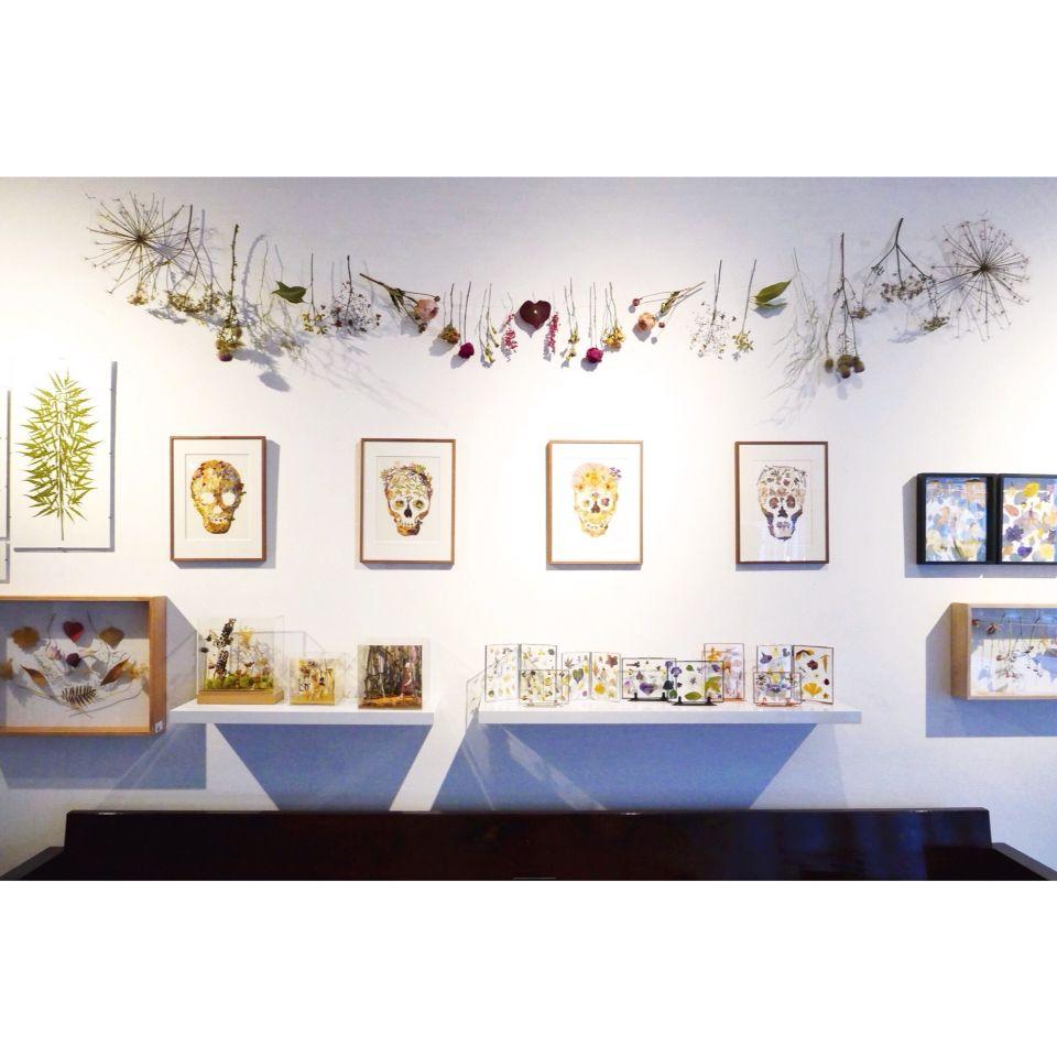 Exhibit of Judith de Vries at Hutspot Van Woustraat.  #floralart #driedflowers #plants