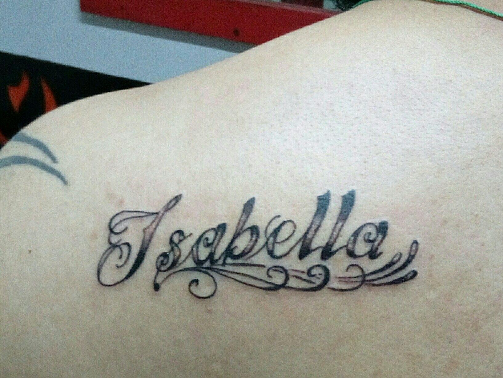 Tattoo Name Isabella Tatuajes De Nombres Disenos De Tatuaje De Nombres Tatuajes De Corazon Con Nombre