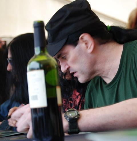 Quem disse que rock n' roll não combina com vinho?