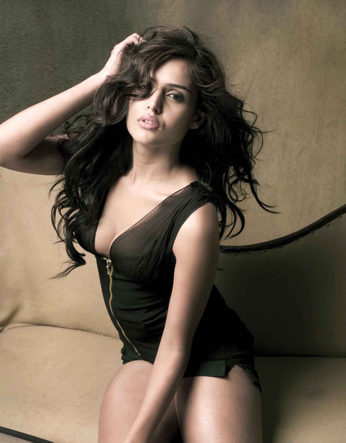 Sexy Is a cute Nathalia Kaur naked photo 2017