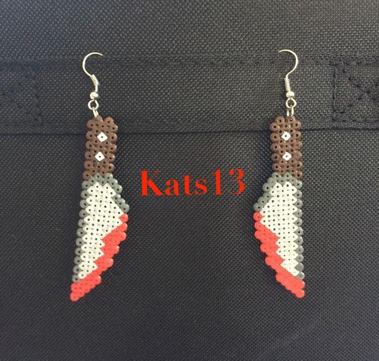 Boucles d 39 oreilles couteau ensanglant perles hama mini - Boucle d oreille fait main ...