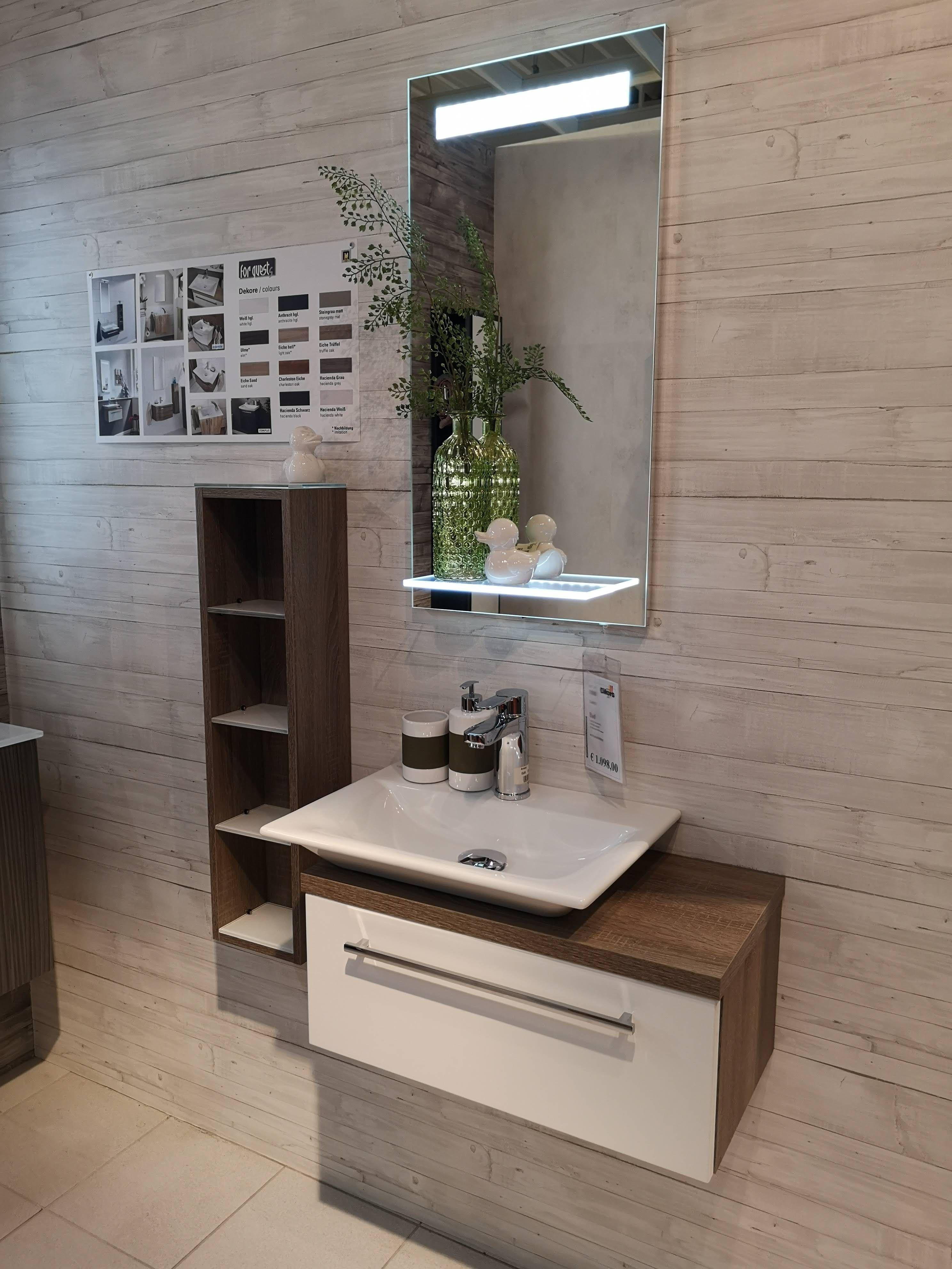 Auch kleine Badezimmer können sehr chic und modern eingerichtet ...