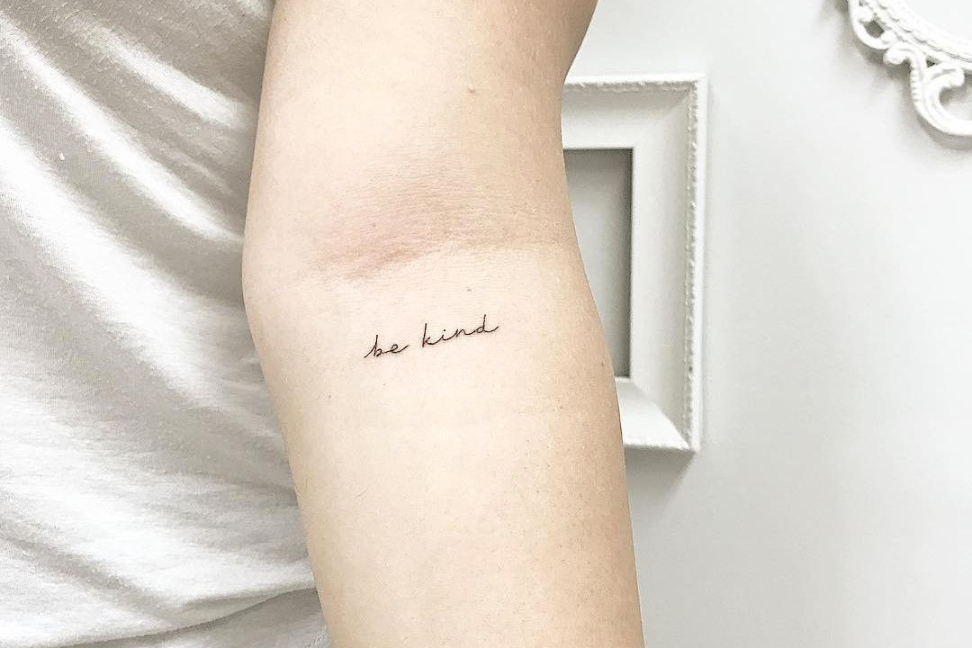 If You Re Thinking Of Getting A Tattoo Here Are 10 Minimalist Tattoo Artists You Should Know Minimalist Tattoo Tattoo Artists Aesthetic Tattoo