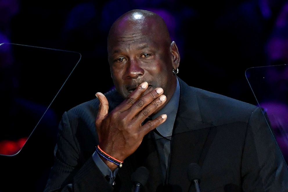 At Kobe Bryant Memorial Service Vanessa Bryant Opens Up Michael Jordan Wipes Away Tears Abc News Michael Jordan Crying Meme Kobe Bryant