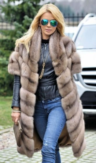 RUSSIAN SABLE FUR COAT - LONG VEST | www.furs-outlet.com
