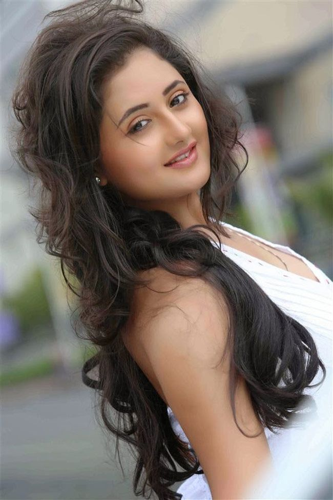 Rashmi Desai Style Bollywood Fashion Beauty -8495
