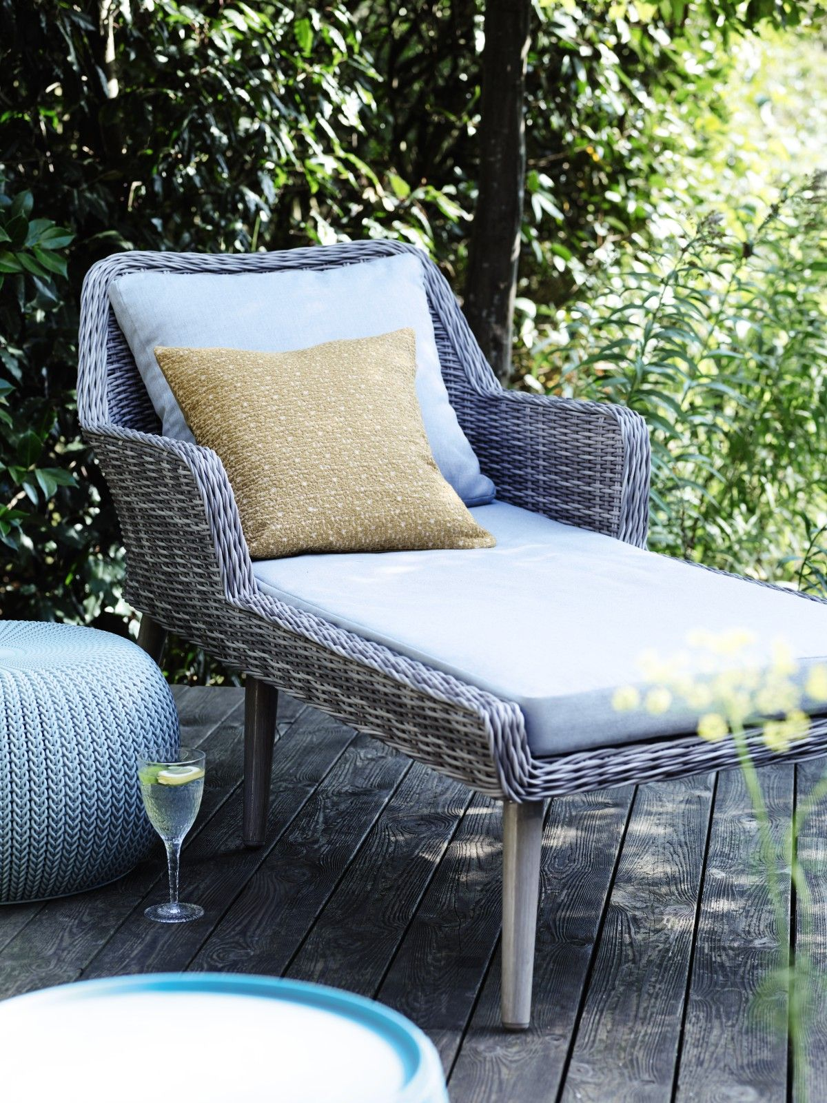 Perfect for whiling away warm afternoons this sunlounger is contemporary stylish and practical