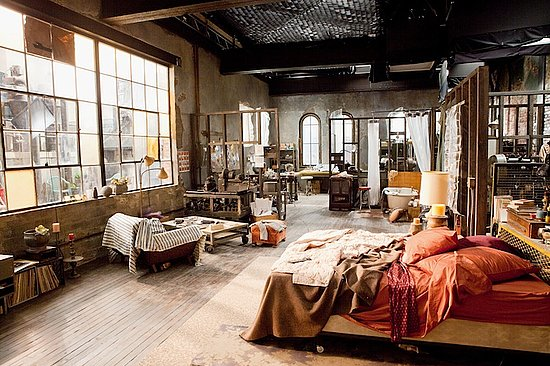 This is the loft from the film 'Love & Other Drugs'. I really want something like this to live in