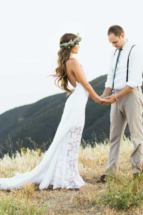 Bridal gown designers bohemian wedding dress with side for Wedding dresses casual outdoor