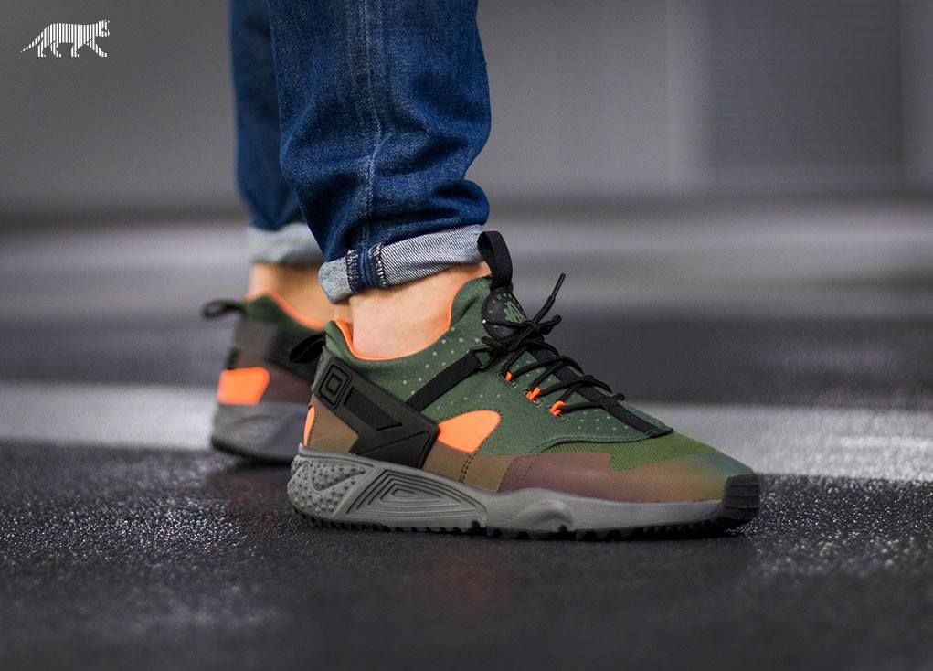 the latest 68e6e 4f942 Nike Air Huarache Utility PRM (Carbon Green   Black - Total Orange -  Anthracite)