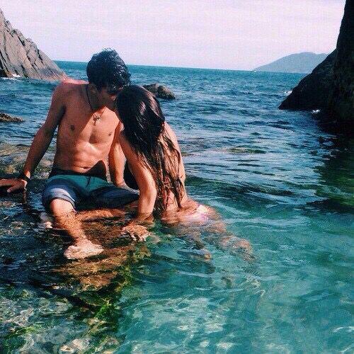 Liebende...egal, wo du hingehst, gönne ihnen ihr Glück! Der klügste Glaube ist der, an die Liebe! Es sei euch gegönnt!