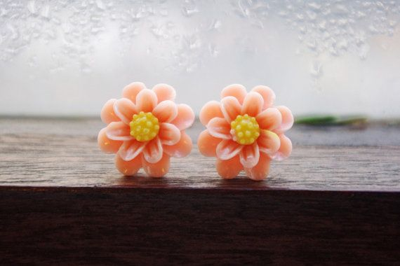 Peach and yellow daisy flower stud earrings by BeansAndPepper
