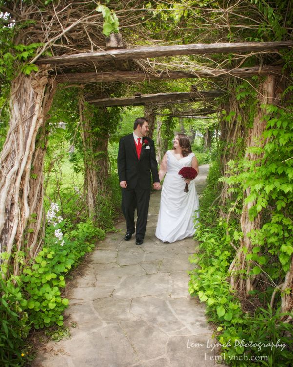 Outdoor Wedding At Daniel Boone Native Gardens In Nc