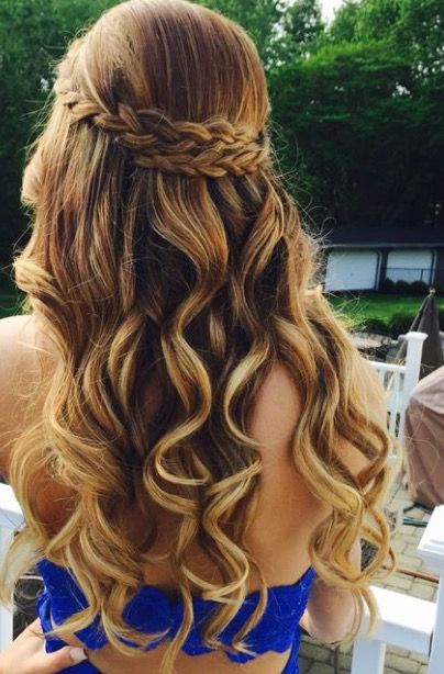 Pin By Autumn S On H⃣a⃣i⃣r⃣ Pinterest Hair Style Prom Hair And Prom Hairstyles