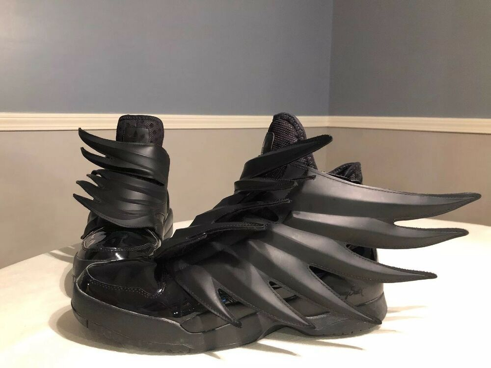 Estoy orgulloso Dictar grandioso  These Adidas (Jeremy Scott Wings 3.0, Batman, Dark Knight) are  used but have lots of life left!… | Futuristic shoes, Sneakers men  fashion, Hype shoes