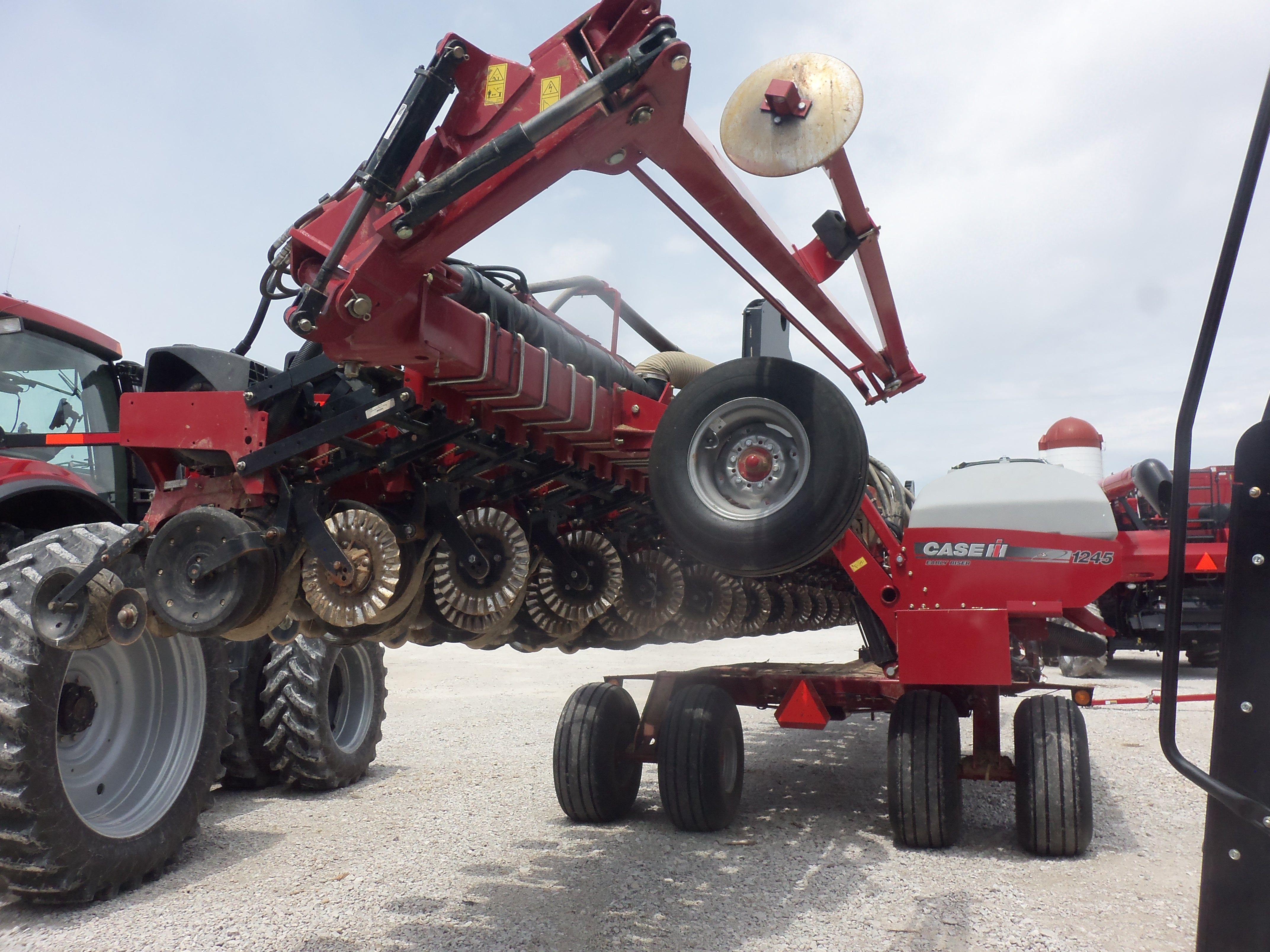Rear Of Caseih 1245 Corn Planter Caseih Equipment Pinterest