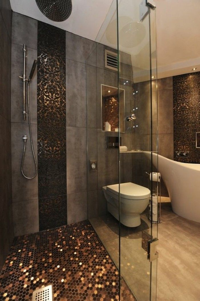 Wunderbar View Rich Bathroom Decorated With Glamorous Tiles U2013 Interior Design. That  Shower Floor#   Dream Homes