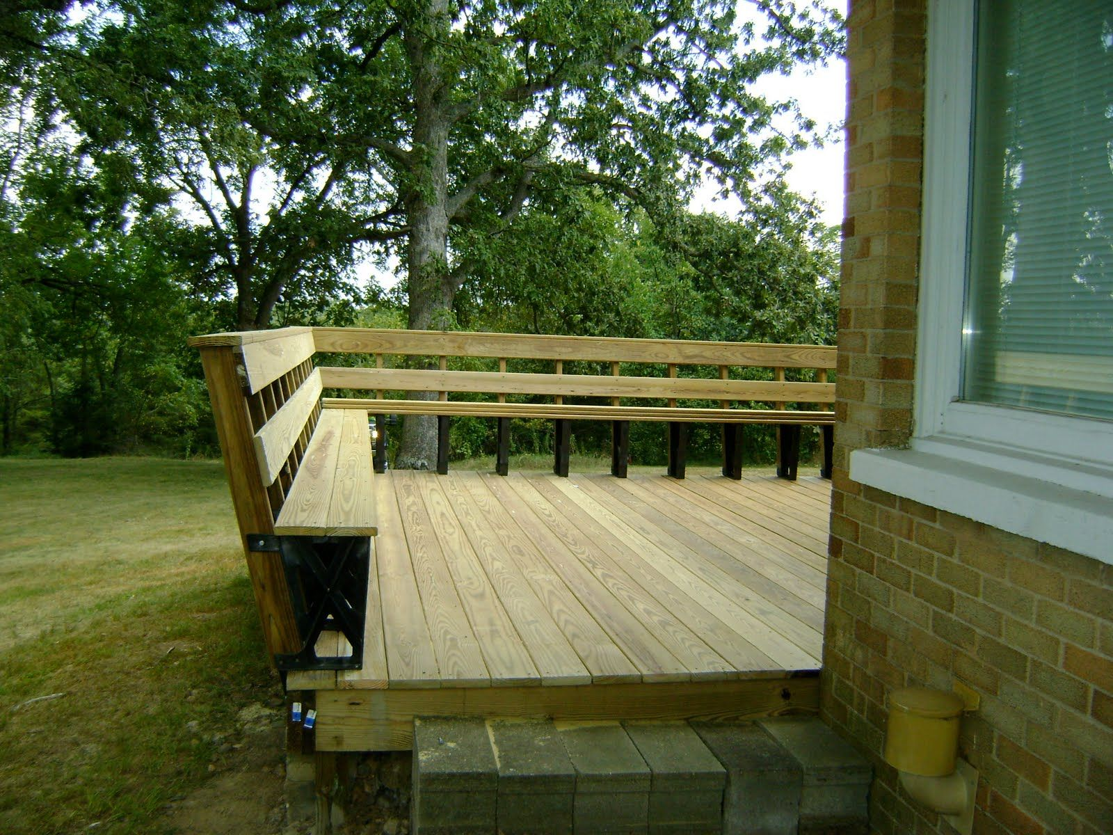 Deck Railing Seating Combo Slight Slant Is Nice Deck Bench