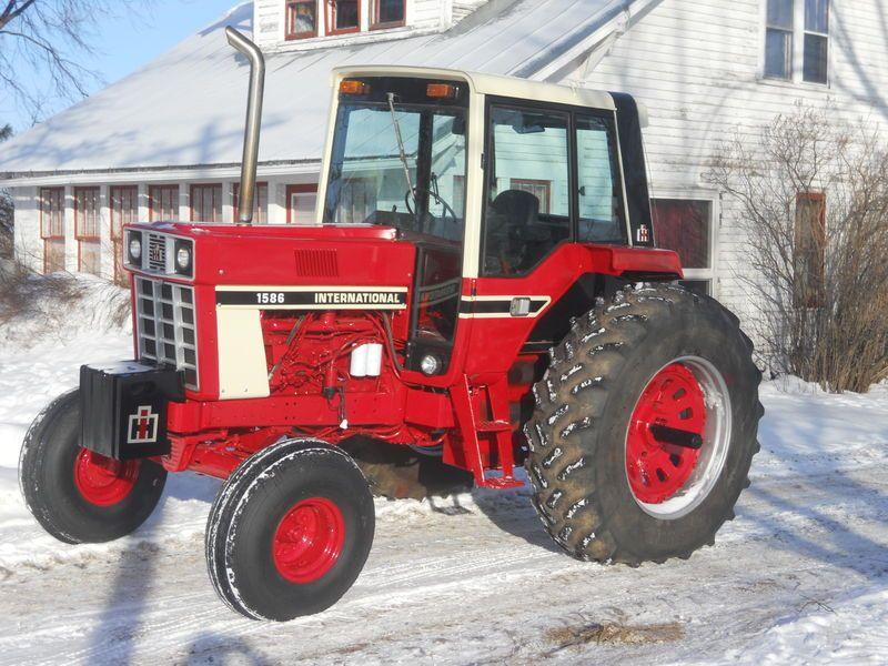 International 1586 Tractors