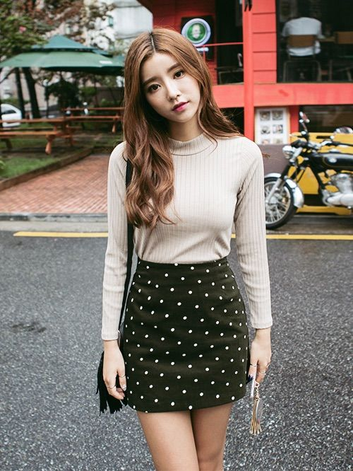 Image via We Heart It #asian #asianfashion #fashion #korean #koreanfashion #chuu #kfashion
