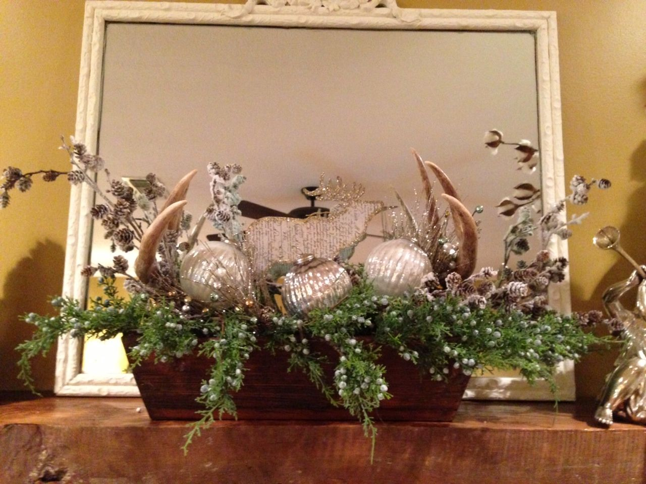 Window ideas for deer stand  add a few deer antlers to your christmas decor  lodgewildlife