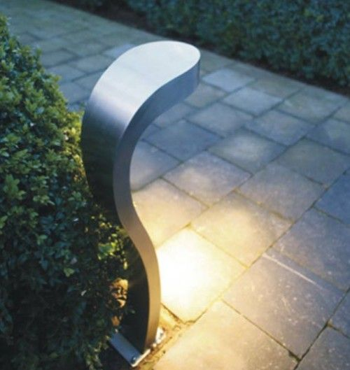 How Would You Like This Modern Walkway Light Contemporary