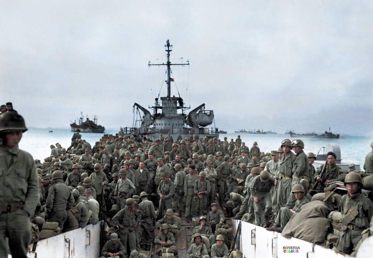 Troops of the 31st Infantry Regiment, 7th Infantry Division land at Inchon  Harbor, Korea, aboard LST's. September 18, 1950. (Ph… | Korean war, War,  Military diorama