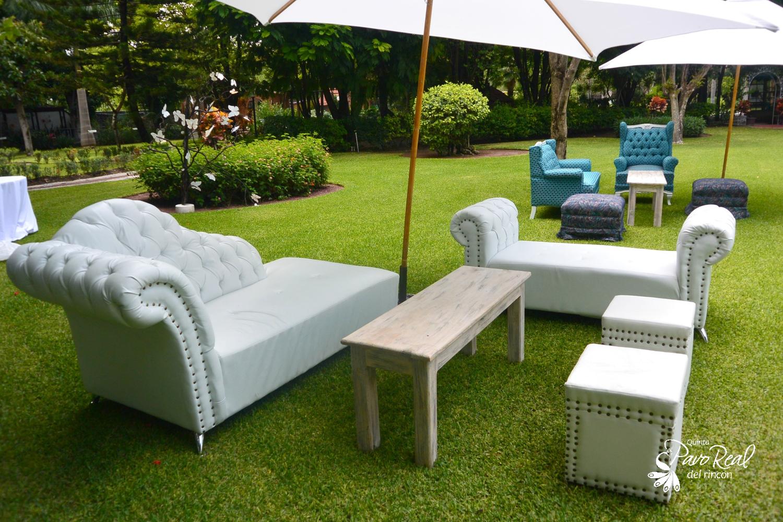 Salas lounge #Vintage #Bodas Quinta Pavo Real del Rincón www.pavorealdelrincon.com.mx