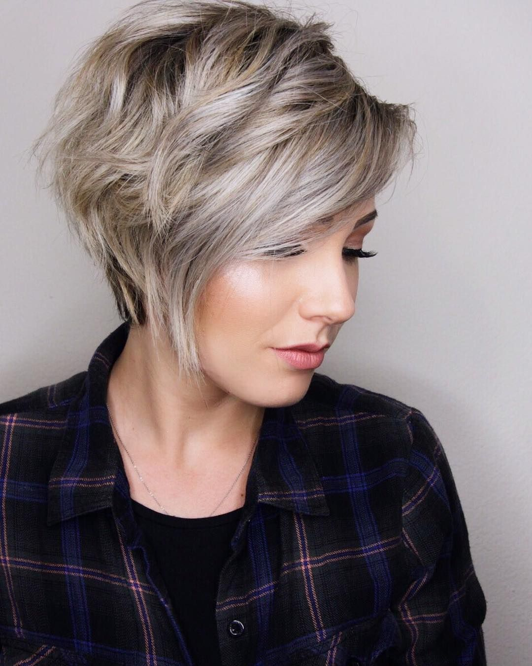 49+ Short layered hairstyles for thick hair ideas in 2021