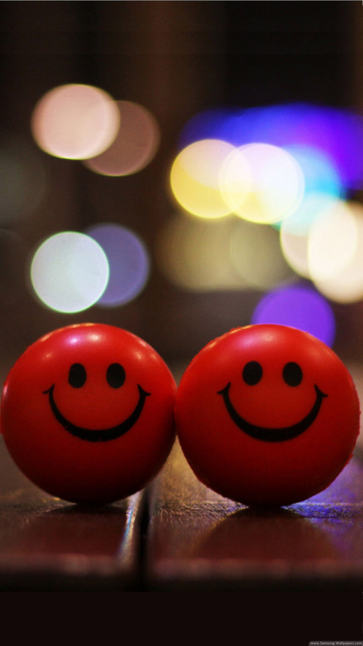Two Little Red Smiley Balls Cute Love Wallpapers Love Wallpaper Download Cute Mobile Wallpapers