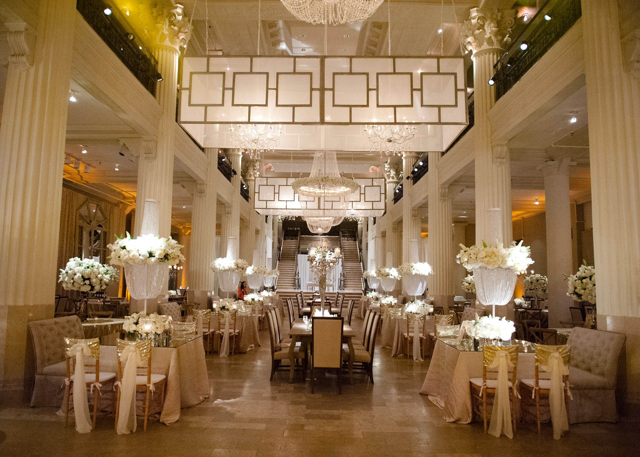 Wedding venue decoration images  Beautiful White and Gold Wedding Decor  Darryl Co  Photo Lauren