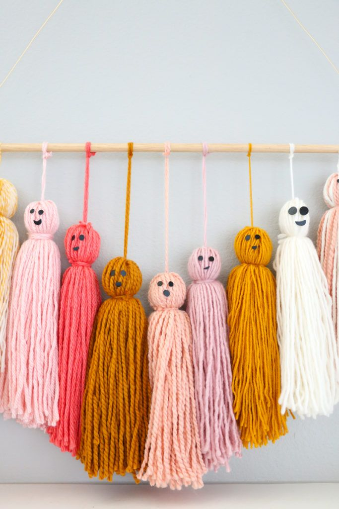 Photo of DIY Friendly Ghost Garland and Halloween Mantel – A Kailo Chic Life