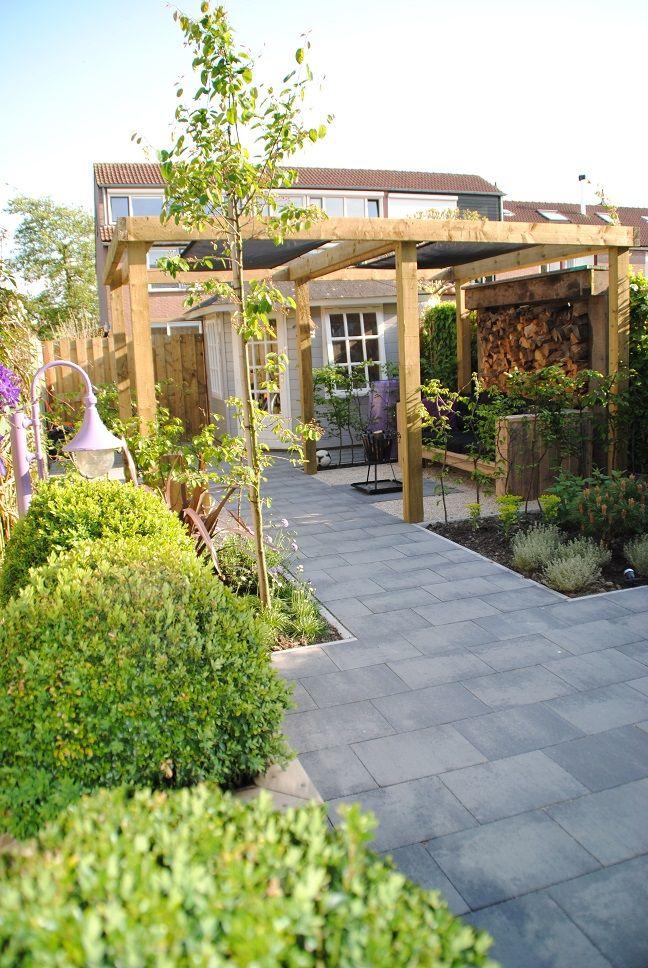 Tuinontwerp kleine tuin hoveniersbedrijf van der waal for Ideeen voor tuin