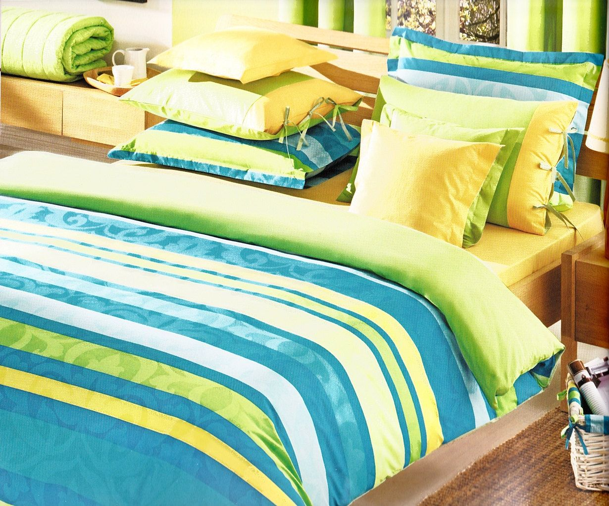 Custom queen size ocean blue turquoise lime green yellow for Lime green bedroom furniture