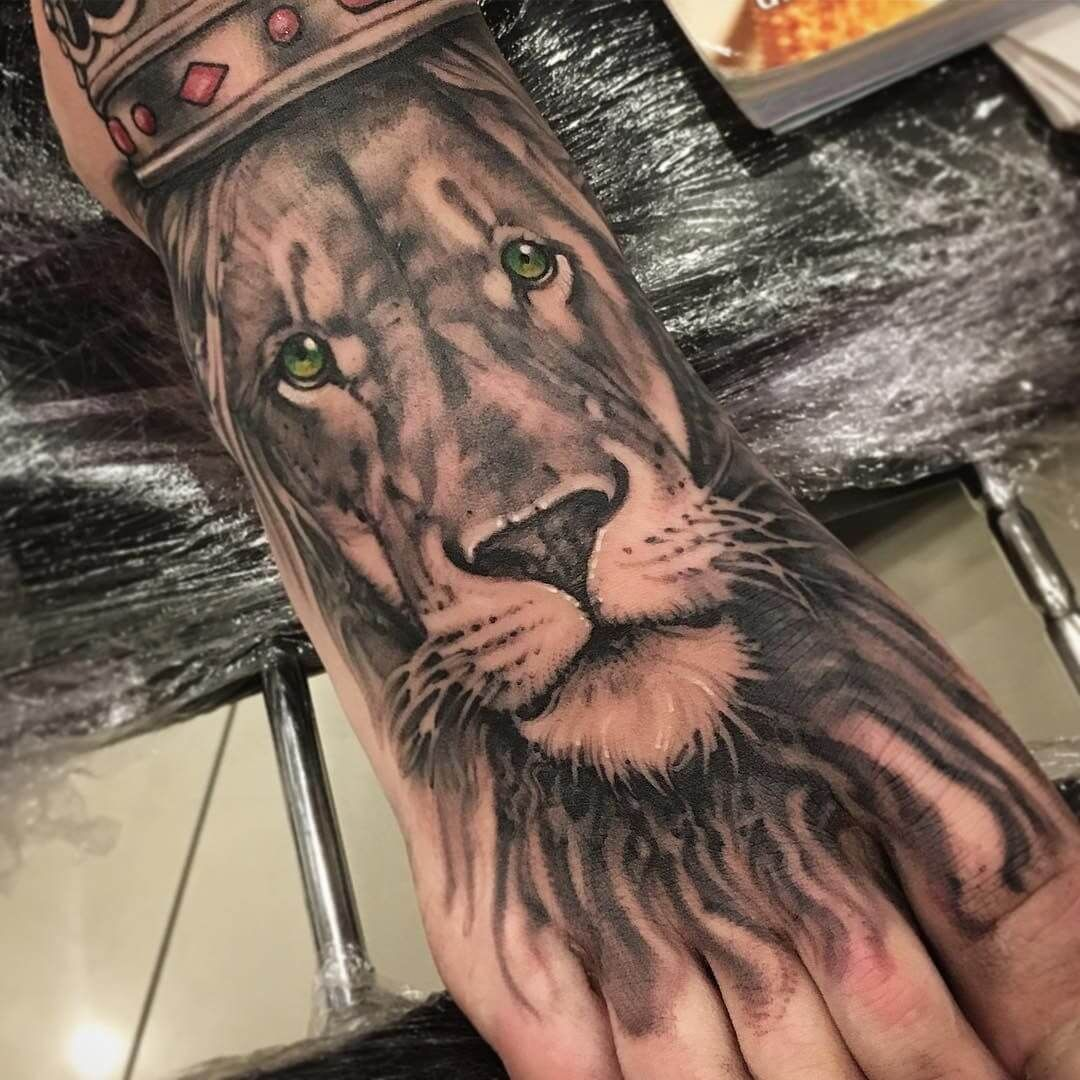 12+ Cool Lion Tattoos On Foot PetPress in 2020 Foot