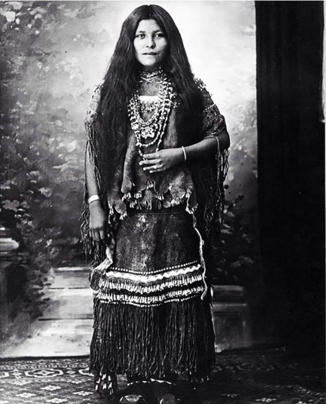 dating Native American nainen