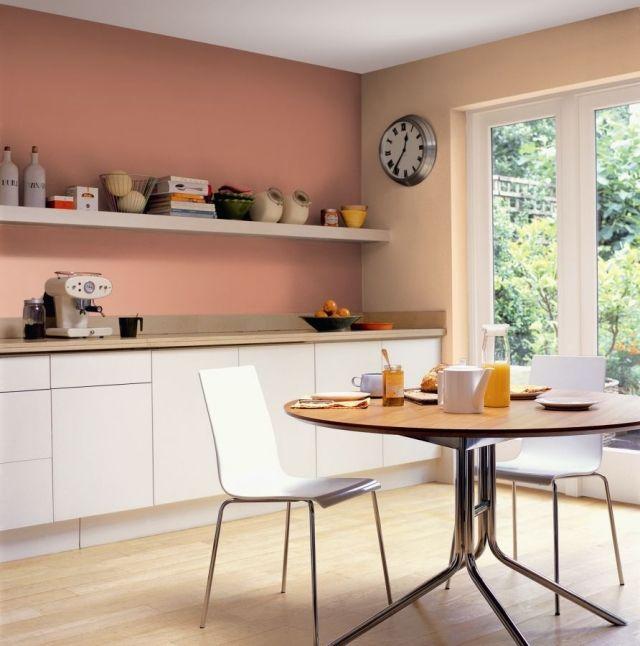 wandfarbe-kueche-ideen-apricot-pfirsich-weisse-schrankfronten - kche wandfarben