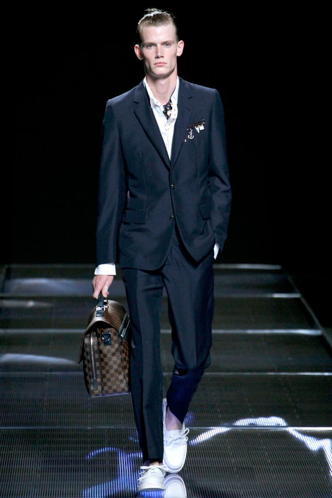15549d34ea5cb Louis Vuitton Spring 2013 Menswear Collection Clean and Crisp. Perfect for  a weekend in the Hamptons or out at night.