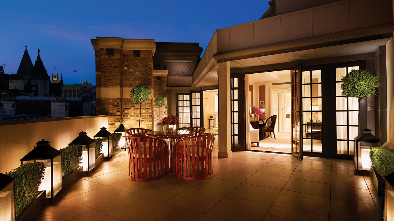 Terrace at night in Royal Penthouse Corinthia Hotel London