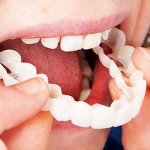 Schöne Fake Zähne