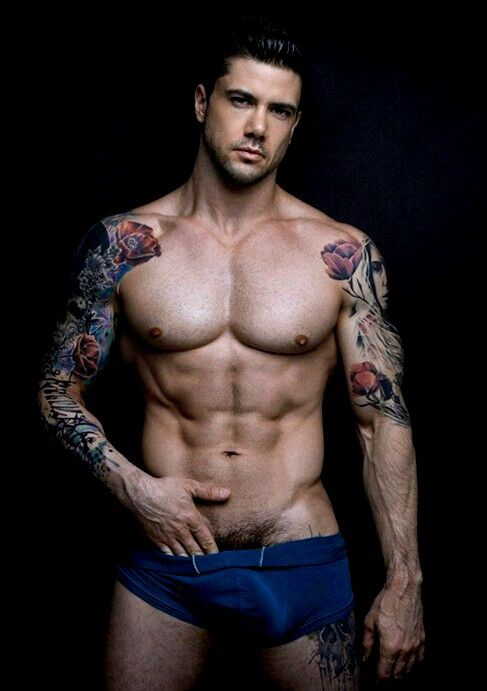 male model - find the best guys tattooed