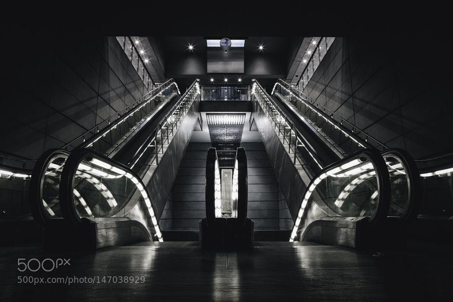 Escalator by trashhand